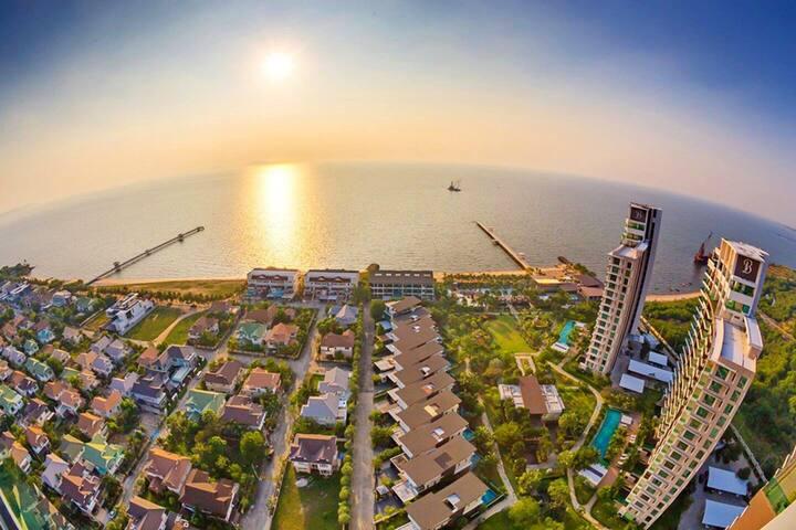 Luxurious beach pool villa near bangkok 45 mins