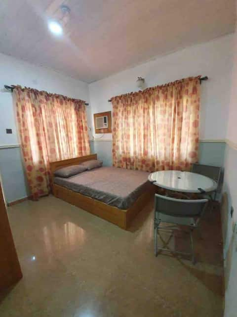 Spacious Room in a Luxury House in Onitsha