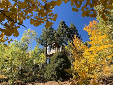 Colorado High Mountain Off-Grid Glamping Treehouse
