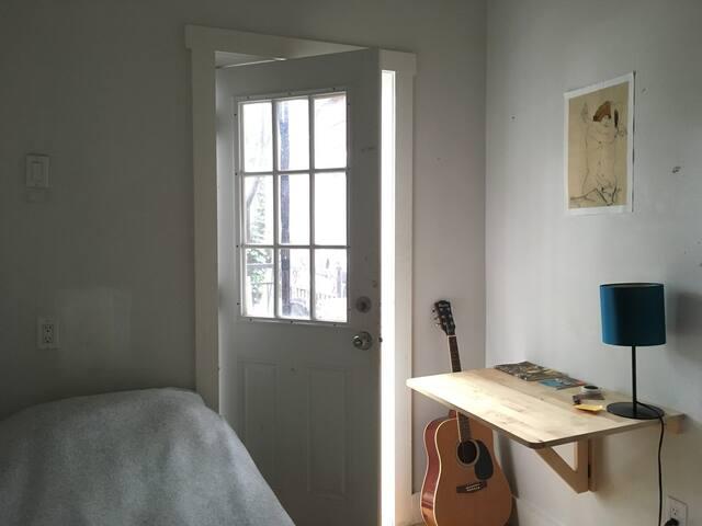 Cozy Room+Terrace