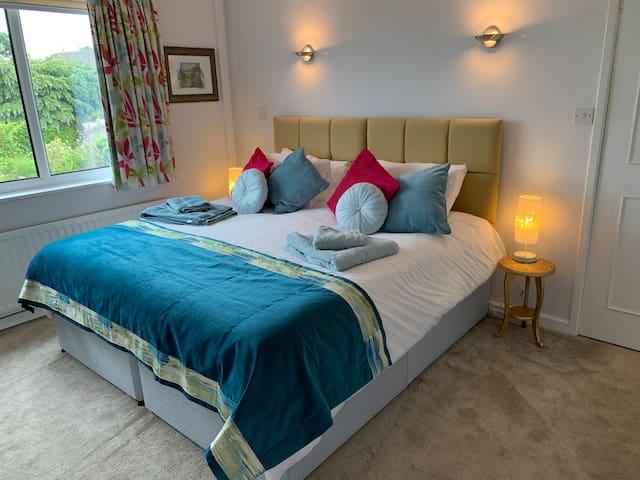 Quiet Guest suite near Ilkley Dales Leeds Airport