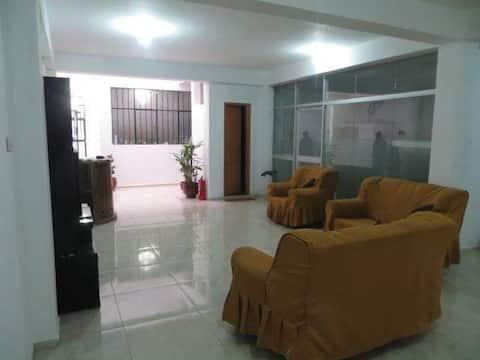 ofrece habitaciones cómodas como en casa