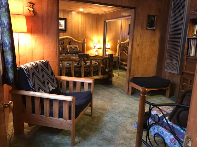 FAMILY FRIENDLY CABIN FOR YOUNG & OLD