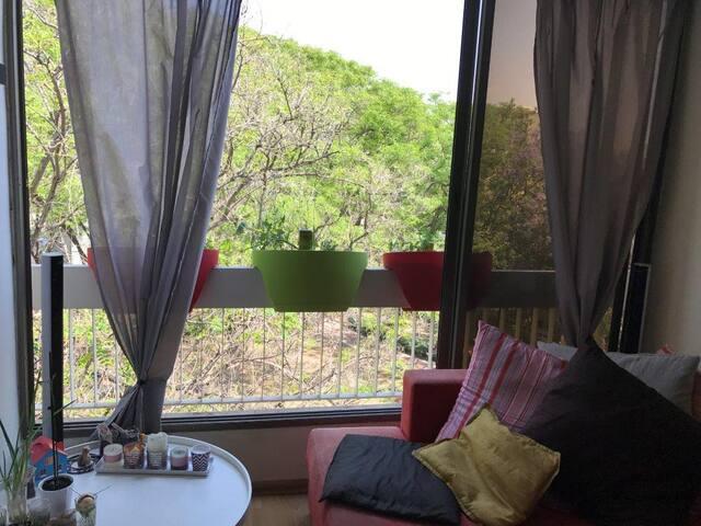 דירה מקסימה עם אנרגיות טובות ברמת גן