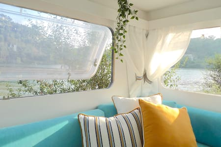 Amora Glamping, Caravan by the River Douro/Tâmega