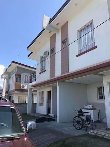 2 Storey fully furnished house in Calamba, Laguna