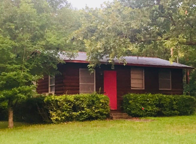 Vintage camp cabin will be ready 7/1! Adjacent to main house for larger groups. Also perfect for a couple/small families at lower $ than main house! Direct river access!