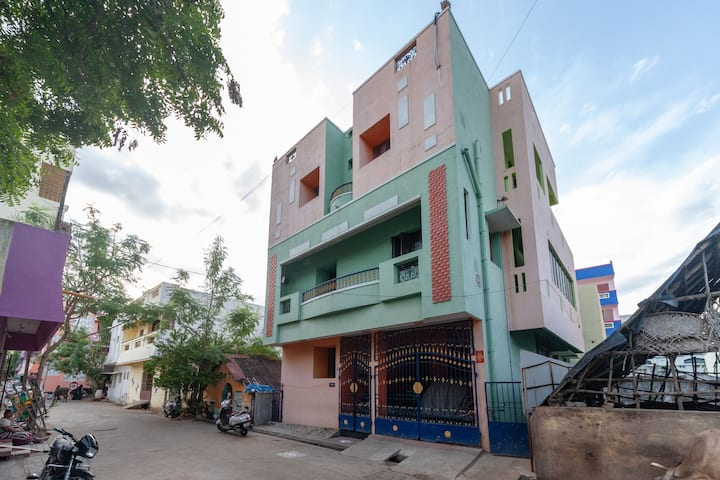 OYO - Lowest Priced! - Homely 1BHK Abode in Pondicherry
