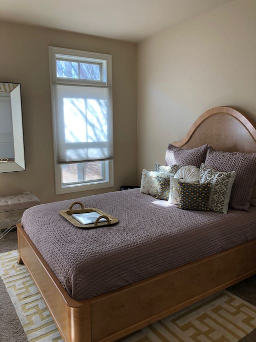 Guest Bedroom very relaxing and guiet.