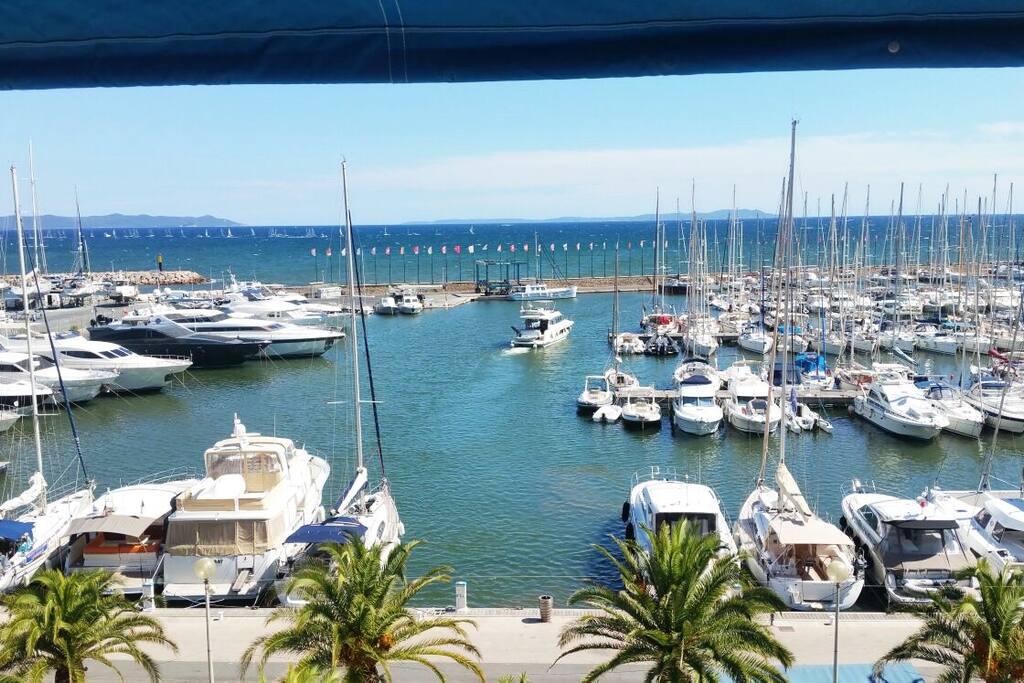 vue sur le port et les iles d'or de la loggia/Breathtaking view on harbour & islands