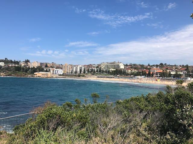 Coogee 2Br - 3-5 mins walk to beach