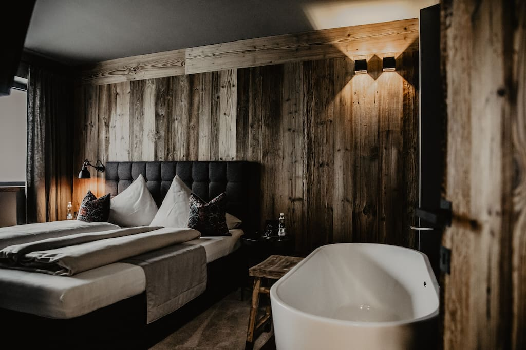 Luxury apartment black eagle loft very central lofts for Boutique hotel alpen