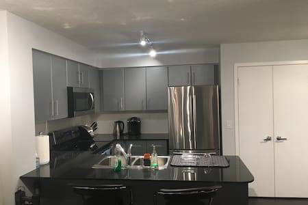 Fully stocked unit near Air Canada Center - Τορόντο - Διαμέρισμα