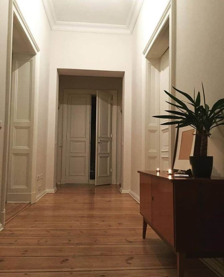 Huge private room in the heart of Kreuzberg