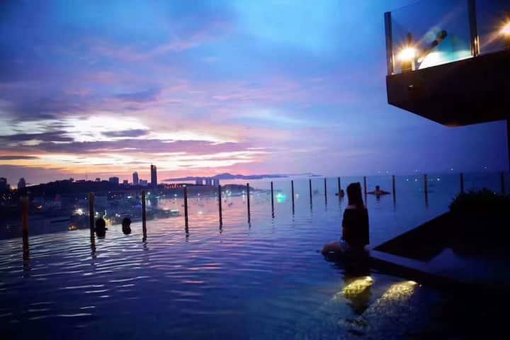 市中心 网红公寓 天空无边际 海景泳池 The Base Central Pattaya两分钟到海边