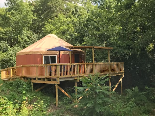 Tranquil Riverside Yurt Minutes From Downtown