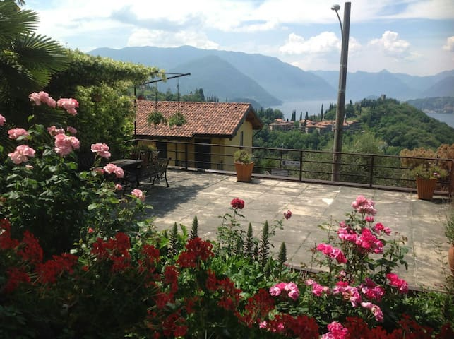 House view castel - Perledo - Appartement