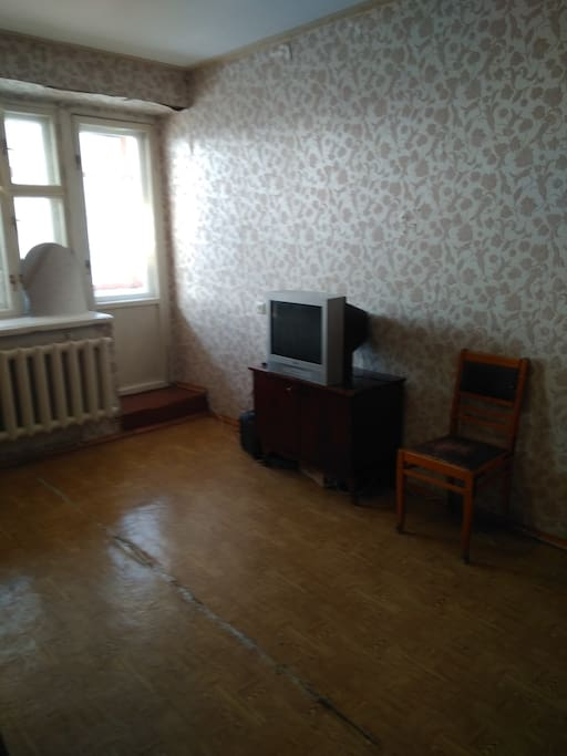 Комната с выходом на лоджию