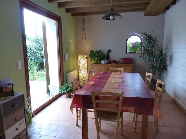 Grande maison angevine proche des bords de Loire - Longué-Jumelles - Huis