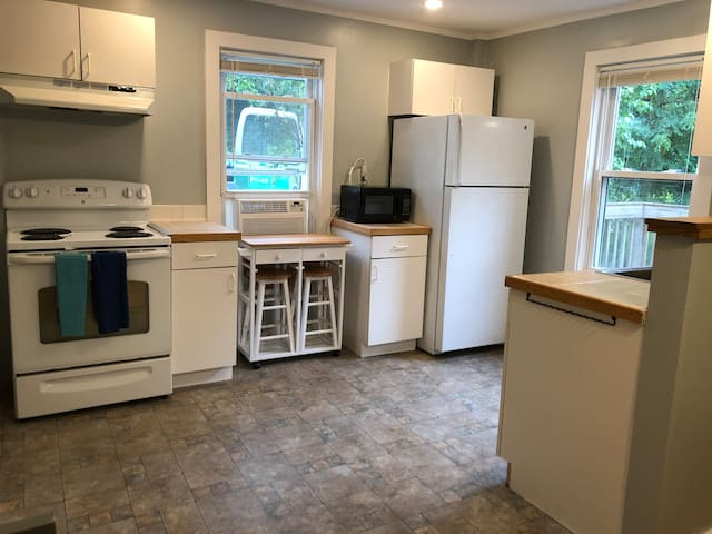 Bethlehem NH 1 Bedroom Apt 4