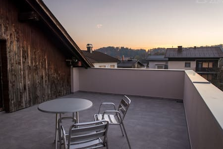 Spacious Attic Apartment With Big Terrace - Ljubljana - Wohnung