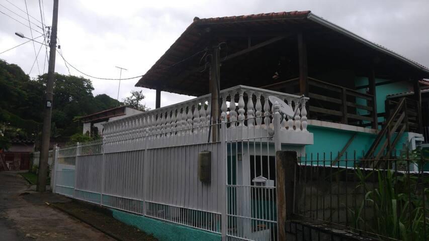 Suites para descanso e lazer em  Miguel Pereira