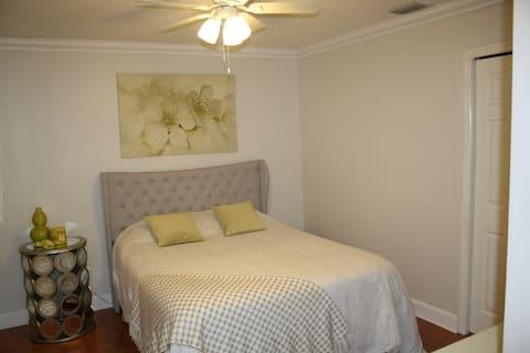 Private Room w/bath in Carrollwood