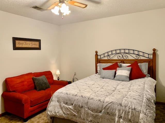 Master - queen bed with sofa and large closets