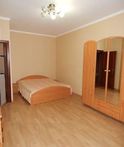 Уютная квартира посуточно Королев - Korolev