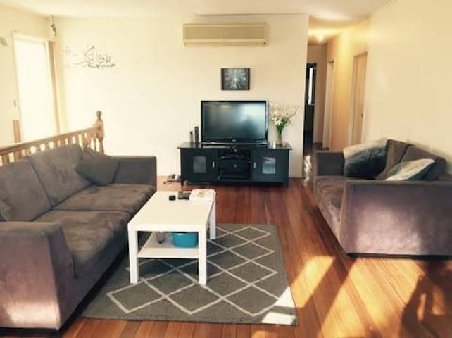 Double Bed 2 Rooms, females or Couples - Sunnybank Hills - Casa