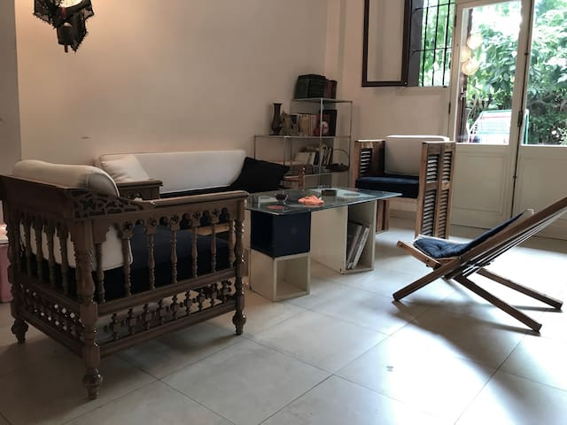 Single bedroom in a furnished house with garden