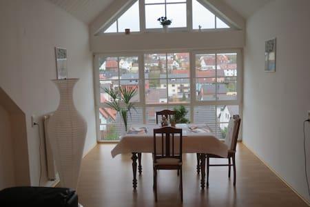 Neu! Schöne Ferienwohnung mit Flair - Eisingen - Wohnung