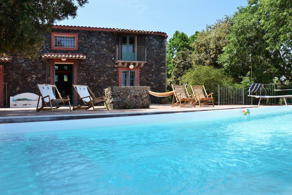 Villa casameli con piscina villas louer presa - Villa con piscina sicilia ...