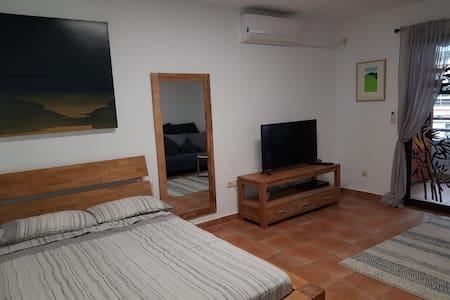 Estudio en el centro de San Juan de Alicante.