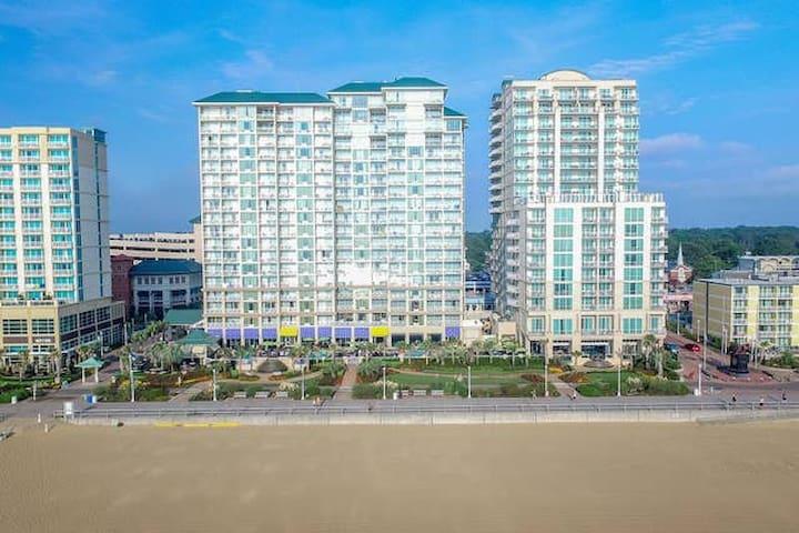 Ocean Beach Club - 2 Bedroom suite city view