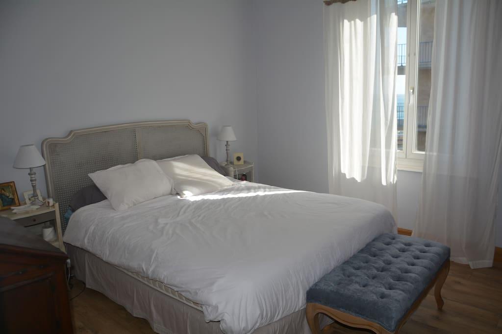 Chambre avec lit Queen-Size