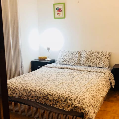 Super cozy private room with private bathroom