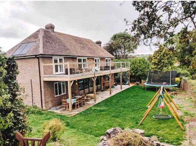 Secluded Dream Farm House South Downs Way