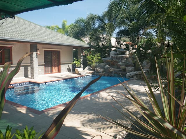 Mountain Beach Executive Pool Villa