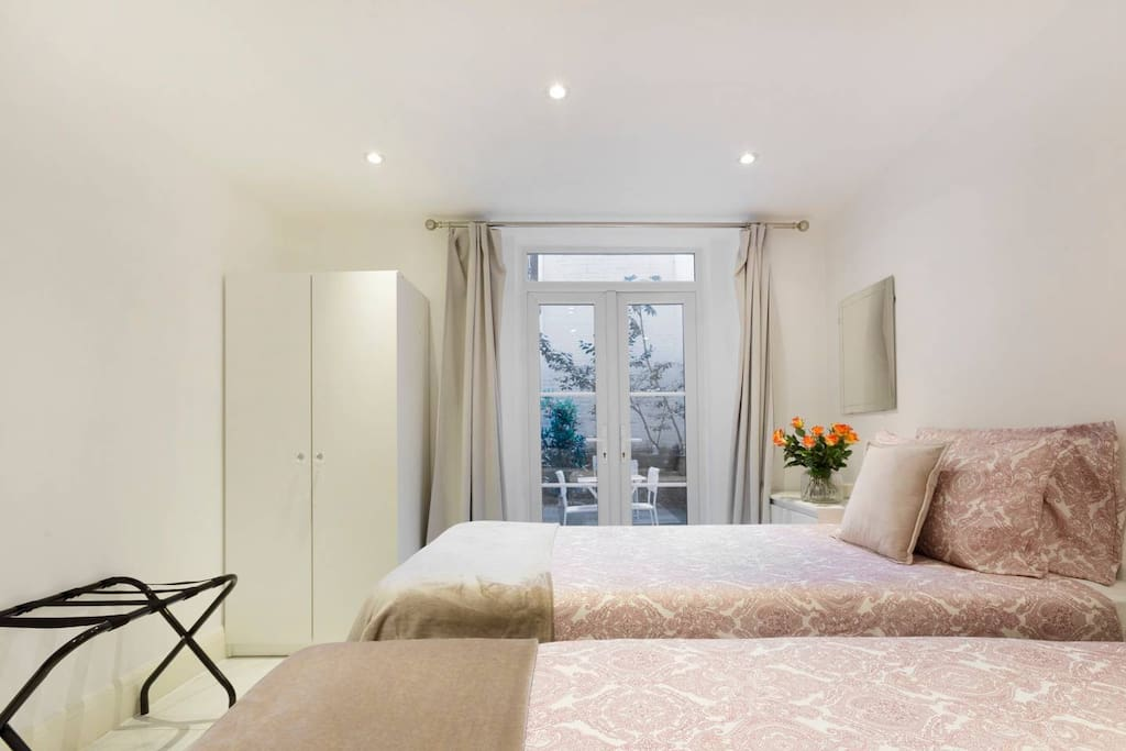 Twin Bed With PRIVATE TERRACE & PRIVATE BATHROOM