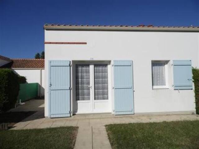 Agréable Maison de Vacances - MAIS 070 - La Faute-sur-Mer - House