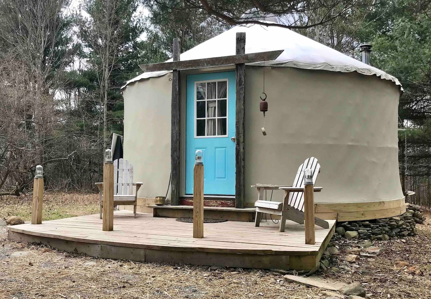 Enjoy our cozy 20' yurt in a peaceful and secluded area on the farm!  Get away from it all and relax!