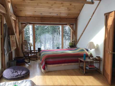 Comfortable private room in lovely mountain house
