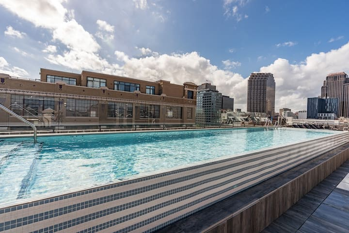 Sextant | The Brandywine | 2 Bed #408 | Heated Rooftop Pool | 5 min drive to Bourbon St