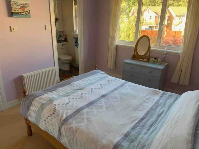 Double room with ensuite E Lothian