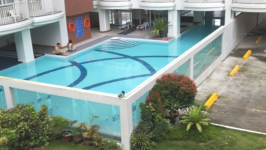 J&J- 2BR Prime Condo (big Family,Group) Pool &Wifi - Tagaytay - Condominium