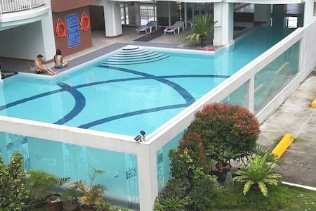 J & J - 2BR Condo (15 pax,Family,Group) Pool& Wifi - Tagaytay