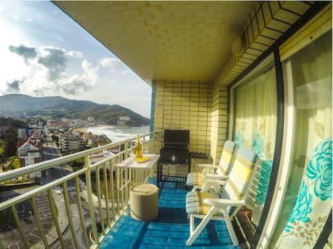 ビーチの前にあるアパートで、ゆったりとした景色が楽しめます。