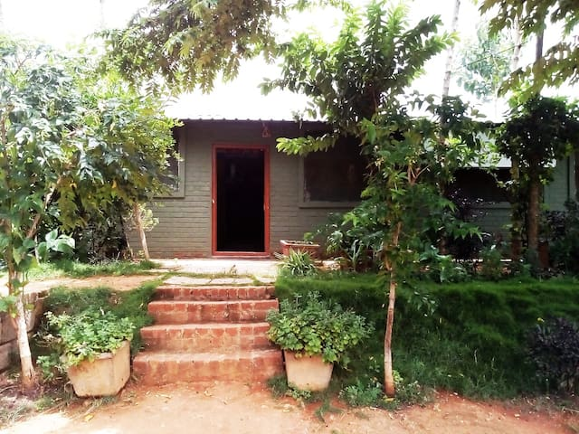 Farm House in Nandi Valley (Veg Cook available)