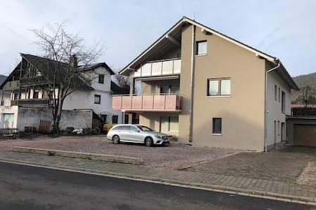 Modernes  Einzimmer - App. 3